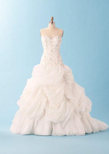 مدل لباس عروس پرنسسی که شما را شبیه به پرنسسهای افسانهای میکنند