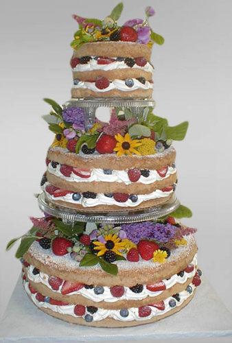 کیک عروسی با تزیین میوه و گل طبیعی