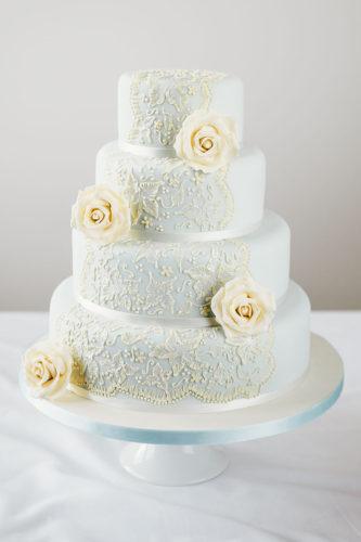 یک مدل کیک عروسی جدید با تزیین گل طبیعی بسیار شیک