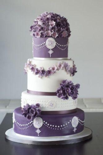 کیک عروسی دو رنگ لوکس