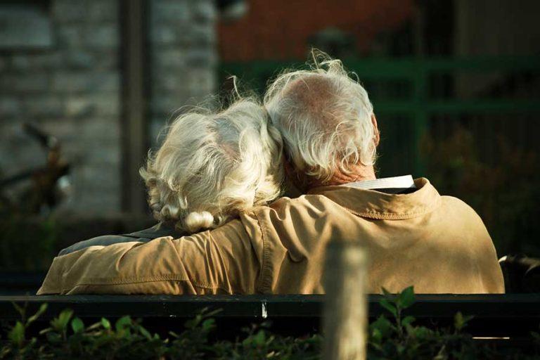 آیا عشق افسانه ای وجود دارد؟