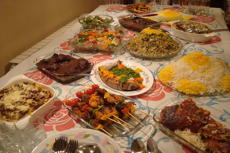 چطور هزینههای مهمانیهای خانوادگی را کاهش دهیم؟