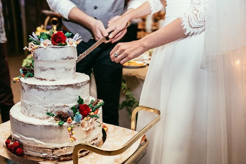 آیا باید در انتخاب کیک عروسی ظرافت و دقت داشت؟